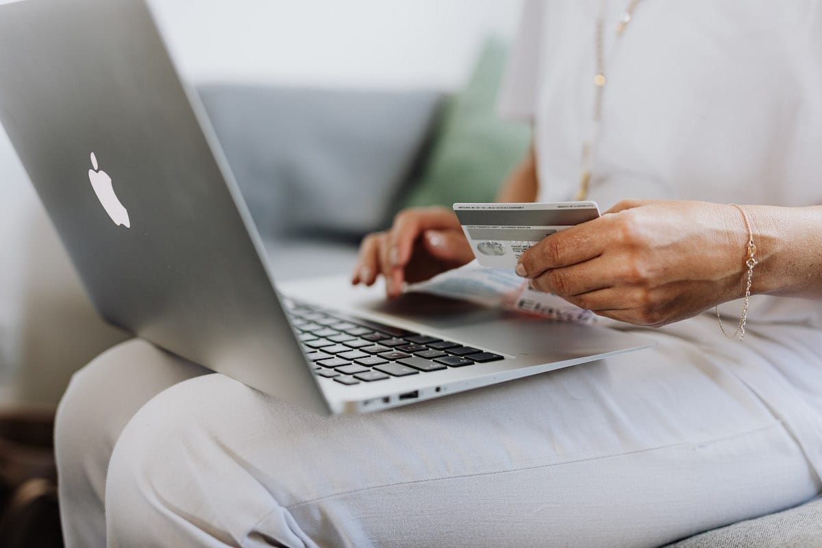 How to Link a Credit Card to a Paypal Account